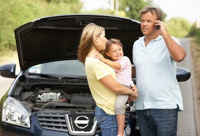 Family with Car Problems - Roadside Assistance